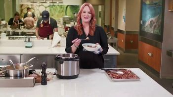 Food Network Kitchen App TV Spot, 'Cook With the Legends' - Thumbnail 4