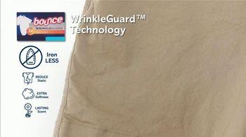 Bounce Wrinkle Guard TV Spot, 'World's First Mega Sheet' - Thumbnail 7