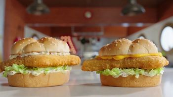 Arby's 2 for $6 Fish Sandwiches TV Spot, 'Pictures' Song by YOGI - Thumbnail 6