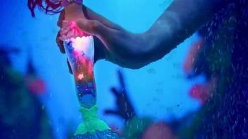 Disney Princess Glitter 'n Glow Ariel TV Spot, 'Light Shows' - Thumbnail 4