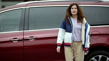 Chrysler Presidents Day Event TV Spot, 'School Drop-Off' Featuring Kathryn Hahn [T2]