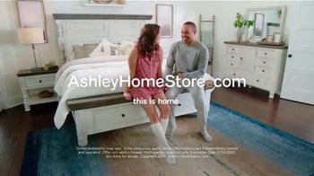 Ashley HomeStore Presidents Day Mattress Sale TV Spot, 'Extended: $300 Ashley Cash' Song by Midnight Riot - Thumbnail 8