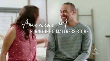 Ashley HomeStore Presidents Day Mattress Sale TV Spot, 'Final Days: Adjustable Mattress Sets' - Thumbnail 9