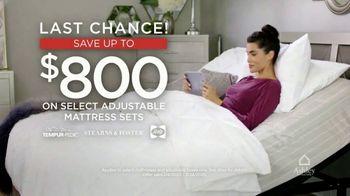 Ashley HomeStore Presidents Day Mattress Sale TV Spot, 'Final Days: Adjustable Mattress Sets' - Thumbnail 4