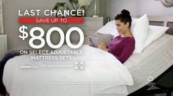 Ashley HomeStore Presidents Day Mattress Sale TV Spot, 'Final Days: Adjustable Mattress Sets' - Thumbnail 5