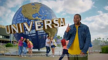 Universal Parks & Resorts TV Spot, 'Let Yourself Woah' Featuring Kenan Thompson - Thumbnail 6