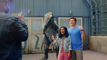 Universal Parks & Resorts TV Spot, 'Let Yourself Woah' Featuring Kenan Thompson - Thumbnail 5