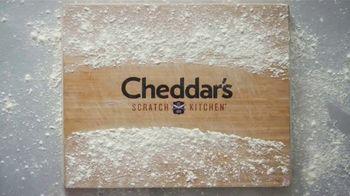 Cheddar's Scratch Kitchen TV Spot, 'Messages: Salmon and Croissants' - Thumbnail 5