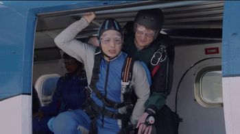 AT&T Wireless TV Spot, 'OK Skydiving Instructor' - Thumbnail 4