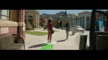 Fidelity Investments TV Spot, 'On the Right Path' Song by The Kinks - Thumbnail 6
