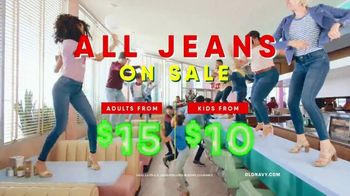 Old Navy TV Spot, 'Jukebox: Jeans' Song by Earl Juke - Thumbnail 8