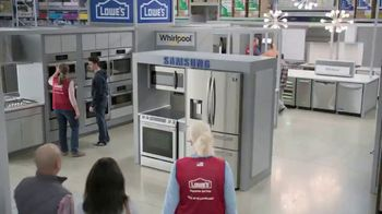 Lowe's TV Spot, 'Do Hosting Right: Whirlpool French Door Refrigerator' - Thumbnail 1