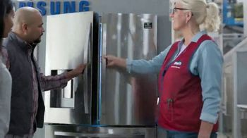 Lowe's TV Spot, 'Do Hosting Right: Whirlpool French Door Refrigerator' - Thumbnail 3