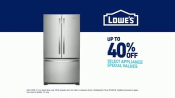 Lowe's TV Spot, 'Do Hosting Right: Whirlpool French Door Refrigerator' - Thumbnail 8