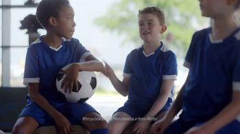 Hilton Hotels Worldwide App TV Spot, 'Soccer Team' Featuring Anna Kendrick - Thumbnail 5