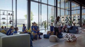 Hilton Hotels Worldwide App TV Spot, 'Soccer Team' Featuring Anna Kendrick - Thumbnail 8