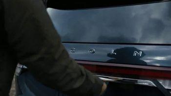 2020 Lincoln Aviator TV Spot, 'Warm Escape' Featuring Matthew McConaughey [T1] - Thumbnail 5