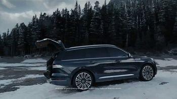 2020 Lincoln Aviator TV Spot, 'Warm Escape' Featuring Matthew McConaughey [T1] - Thumbnail 8