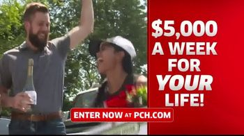 Publishers Clearing House TV Spot, '$5,000 a Week: Start the New Year Really Rich' Ft. Steve Harvey - Thumbnail 4