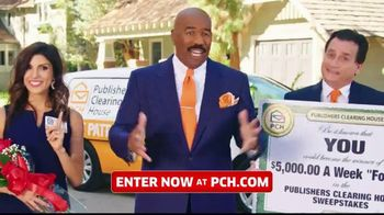 Publishers Clearing House TV Spot, '$5,000 a Week: Start the New Year Really Rich' Ft. Steve Harvey - Thumbnail 8