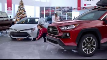 Toyota Toyotathon TV Spot, 'Ice Skating' [T2] - Thumbnail 3