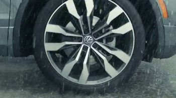 Volkswagen Sign Then Drive Event TV Spot, 'Road Conditions' [T2] - Thumbnail 4
