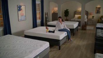 Bob's Discount Furniture TV Spot, 'The Bob Look' - Thumbnail 5