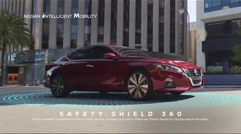 2020 Nissan Altima TV Spot, 'Roller Derby' Song by The Donnas [T2] - Thumbnail 6