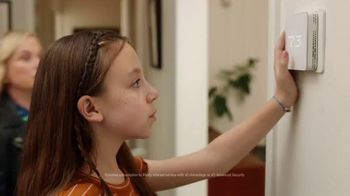 XFINITY xFi TV Spot, 'Family Heirloom' Featuring Amy Poehler - Thumbnail 3