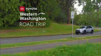 Toyota RAV4 TV Spot, 'Road Trip: Ethan's Playlist' Feat. Danielle Demski, Ethan Erickson [T2] - Thumbnail 2