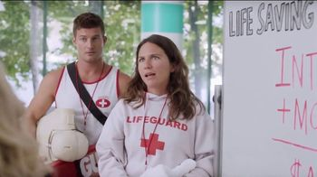 XFINITY Internet + Mobile TV Spot, 'Life Saving Techniques' Featuring Amy Poehler - Thumbnail 7
