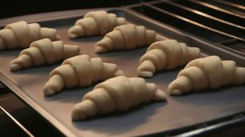 Pillsbury Crescent Rolls TV Spot, 'Holiday Family Time' - Thumbnail 4