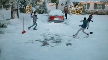 JCPenney TV Spot, 'Little Things: Snow Shoveling' - Thumbnail 4