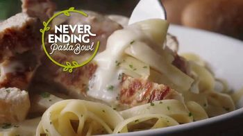 Olive Garden Never Ending Pasta Bowl TV Spot, \'Hurry In: It's All Never Ending\'