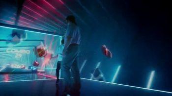 Oculus Quest TV Spot, 'Defy Reality: Beat Saber' Featuring Eric Wareheim - Thumbnail 6