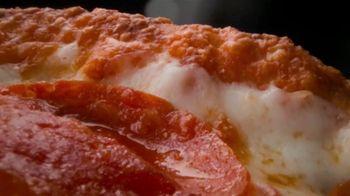 Papa John's Garlic Parmesan Crust TV Spot, 'Mt. Crustmore' - Thumbnail 3