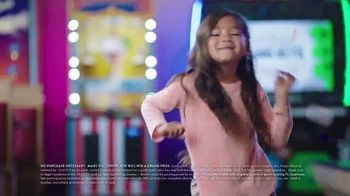 Chuck E. Cheese's TV Spot, 'This Holiday Every Kid's a Winner: Instant Win Game Piece' - Thumbnail 5