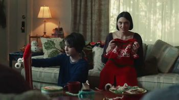 Rakuten TV Spot, \'The Gift That Keeps on Giving: Yarn\'