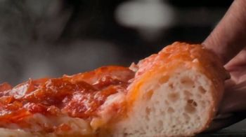 Papa John's Garlic Parmesan Crust TV Spot, 'The Crust Below' - Thumbnail 5