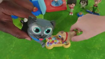 Puppy Dog Pals Awesome Care Bus TV Spot, 'Barktastic' - Thumbnail 9