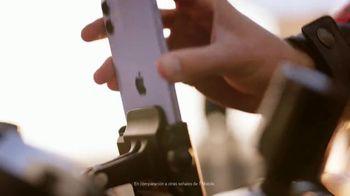 T-Mobile TV Spot, 'iPhone 11: cuatro líneas ilimitadas' canción de Aerosmith [Spanish]