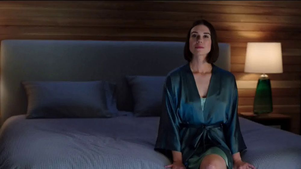 Sleep Number January Sale TV Commercial, 'Adjust Your Comfort: Delivery & Setup' Featuring Dak Presc