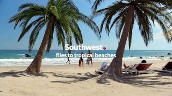 Southwest Airlines TV Spot, 'Snorkeling Trip: Fees' - Thumbnail 1