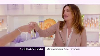 Meaningful Beauty Supreme TV Spot, 'What is it About Cindy?' Featuring Cindy Crawford - Thumbnail 6