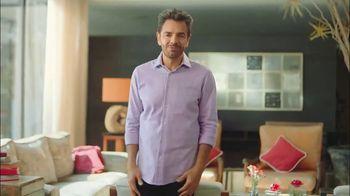 DishLATINO TV Spot, 'Es por ti' con Eugenio Derbez [Spanish] - Thumbnail 9