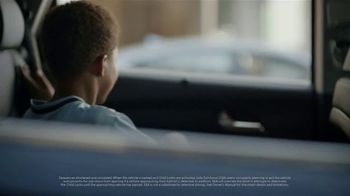 Hyundai Santa Fe TV Spot, 'Safe Exit Assist' [T2] - Thumbnail 2