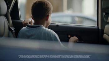 Hyundai Santa Fe TV Spot, 'Safe Exit Assist' [T2] - Thumbnail 3