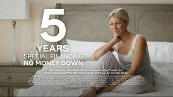 Ashley HomeStore TV Spot, 'Tempur-Pedic: Reinvented' Song by Midnight Riot - Thumbnail 8