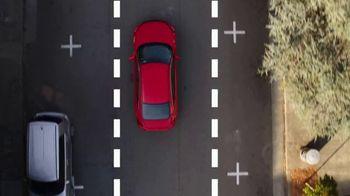 2019 Honda Civic TV Spot, 'Neighborhood Pride' [T2] - Thumbnail 4