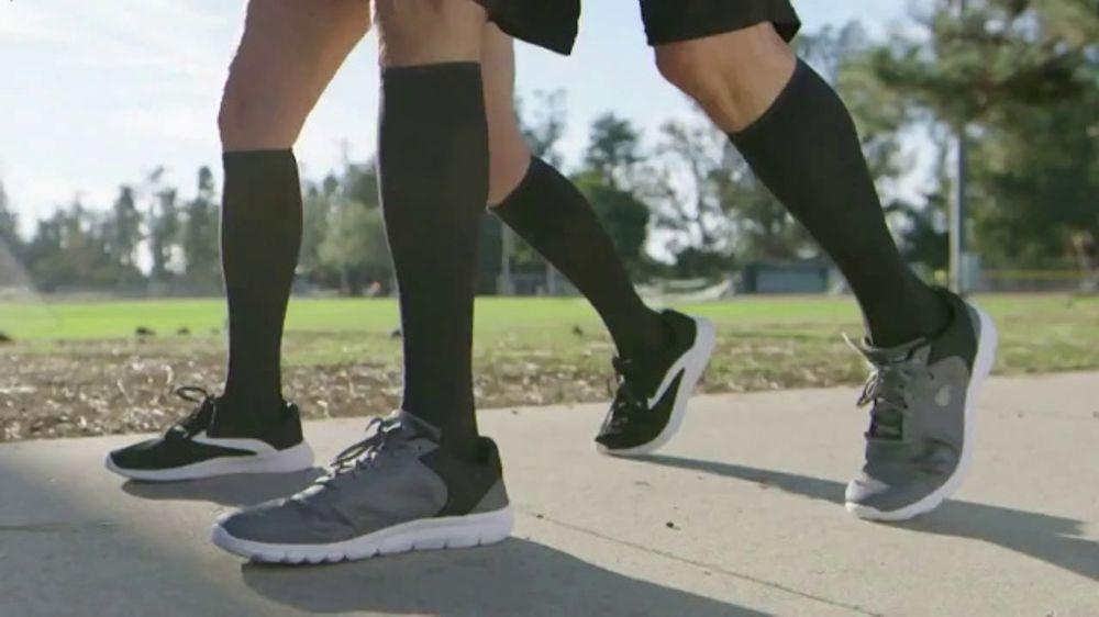 Copper Fit Energy Socks TV Commercial, 'Los beneficios de compresi??n'